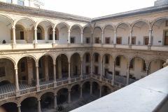1_Palazzo-Reale-Cortile-Maqueda