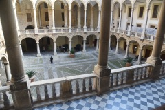 Palazzo-Reale-Cortile-Maqueda
