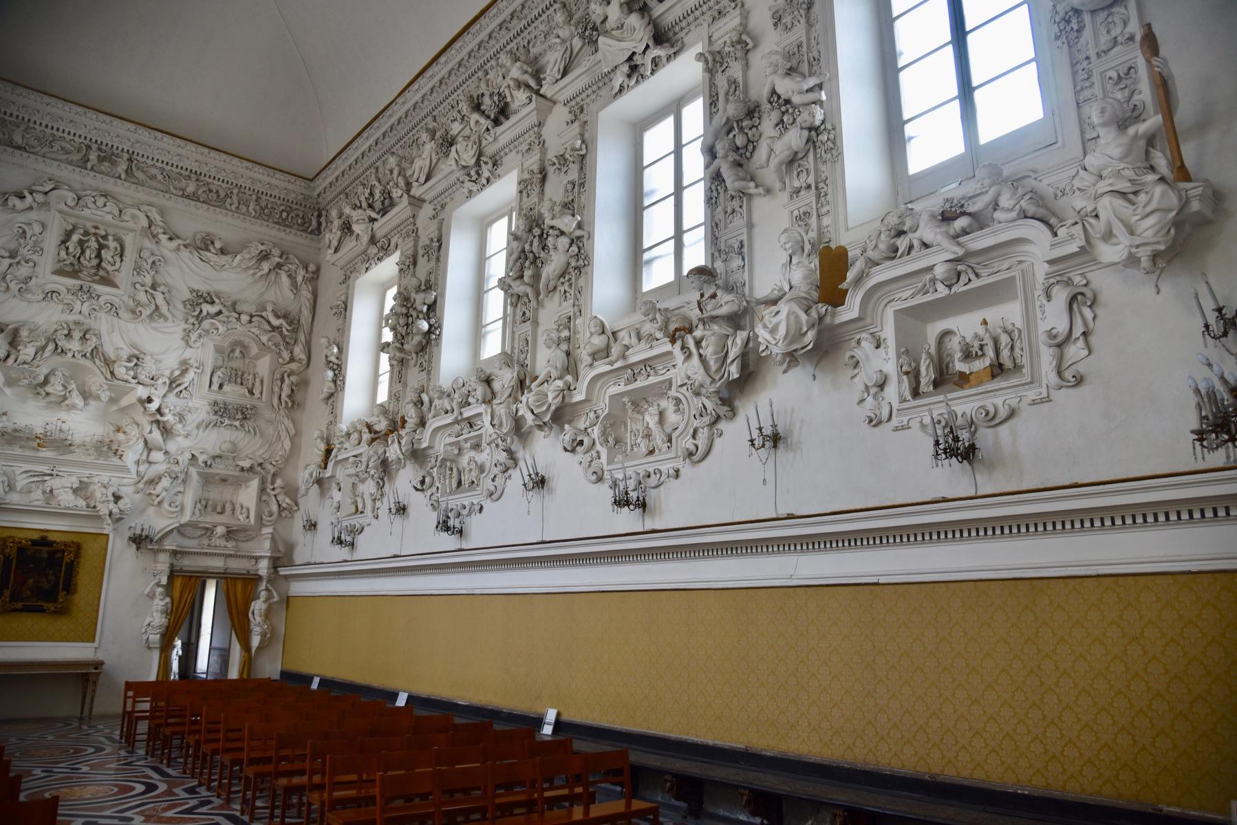 Oratorio-Santa-Cita-parete-con-teatrini-2